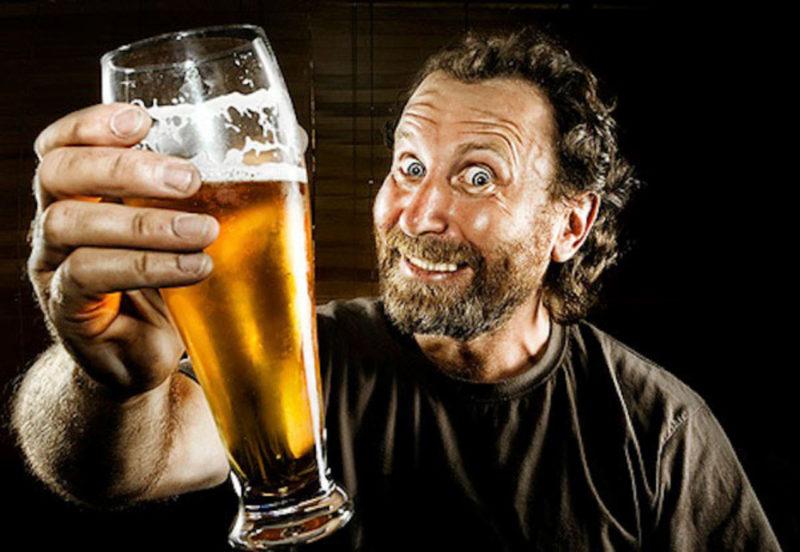Пьют пиво картинка